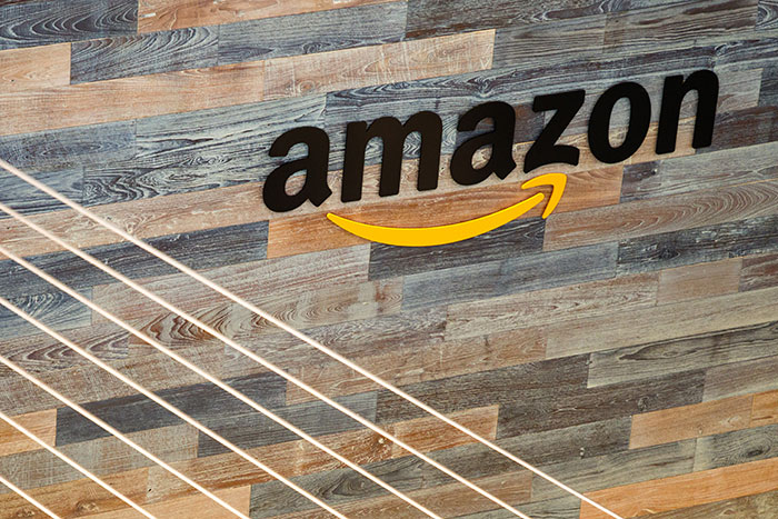 Consegne Amazon: brevetto per l'autobus locker